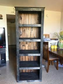 diy bookshelves ideas 25 best ideas about pallet bookshelves on