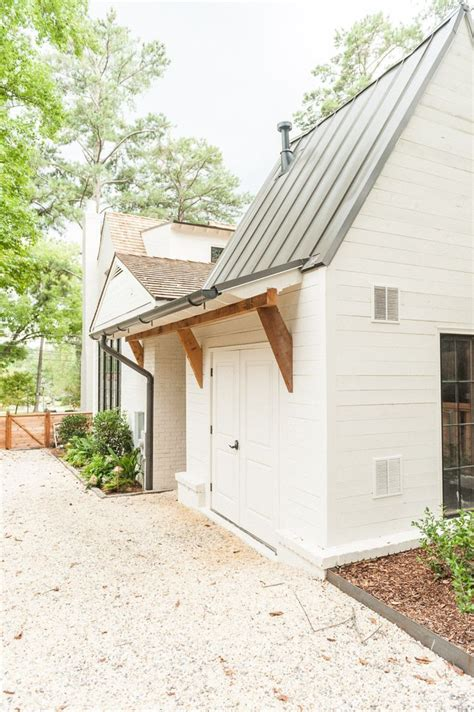 best 25 roof overhang ideas on