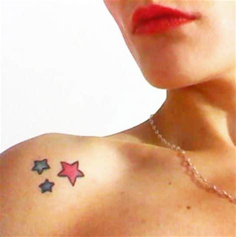 tatuaggi femminili fiori 25 tatuaggi femminili per la spalla pi 249 o meno piccoli