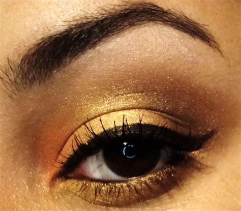 Eyeshadow Golden izzy bbyotic
