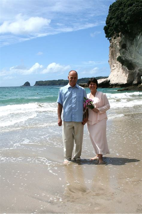 Wedding Arch New Zealand by Cathy Murray S Wedding Cathedral Cove New Zealand