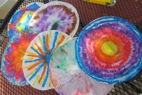 Tie Dye Paper Craft - easy craft idea tie dye paper evolving motherhood