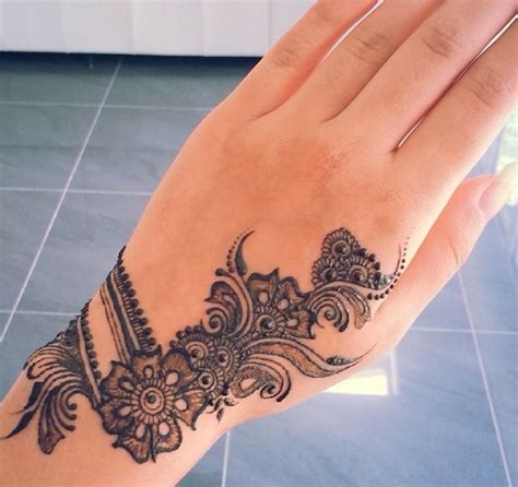 collection of 25 black henna collection of 25 henna on