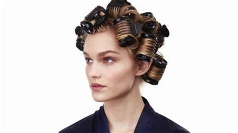using rollers for short bob 17 best ideas about curled bob hairstyle on pinterest