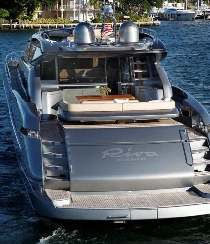 riva yacht in kenny chesney video the boat in kenny chesney s come over kenny pinterest