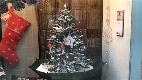 weihnachtsbaum mit ballen kaufen k 252 nstlicher weihnachtsbaum mit schnee
