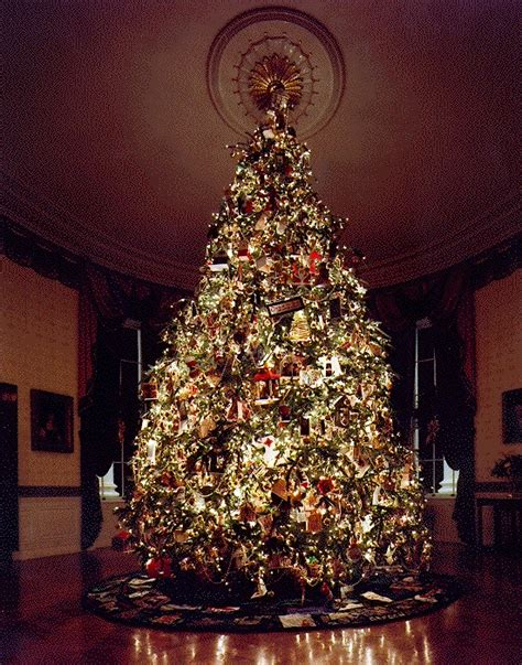 christmas in america trees file 1995 blue room tree jpg wikimedia commons