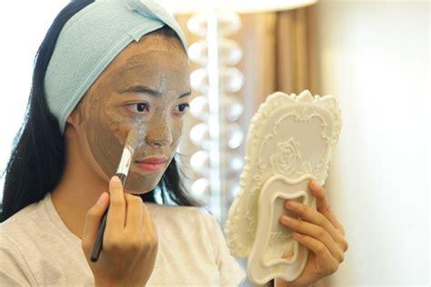Masker Wajah Bubuk pemilik kondisi kulit ini hindari masker daily