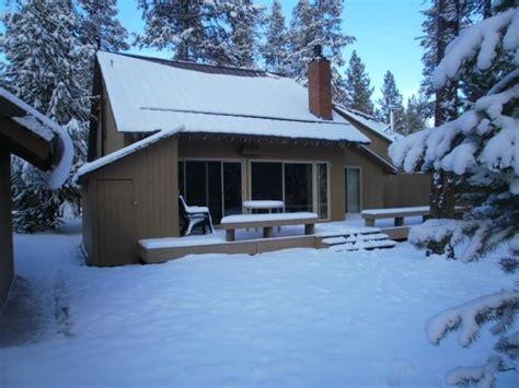 blockhütte im schnee mieten holzhaus blockh 252 tte im ferienort in sunriver mieten