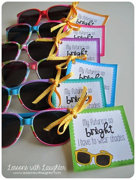 teacher presents to grade 1 students 31 creative back to school treats for students printables teach junkie