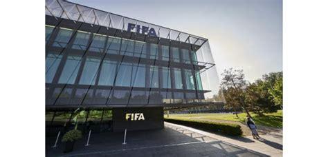 siege de la fifa fifa blatter s en va le chantier demeure challenges fr