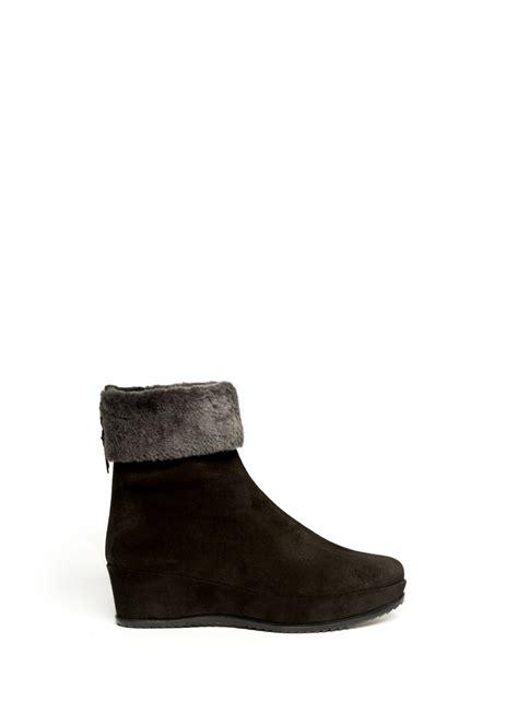stuart weitzman shoes stuart weitzman warmer suede wedge boots in black lyst