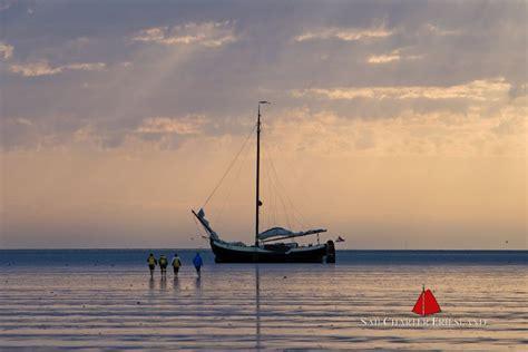 platbodem charter sailcharter friesland in friesland