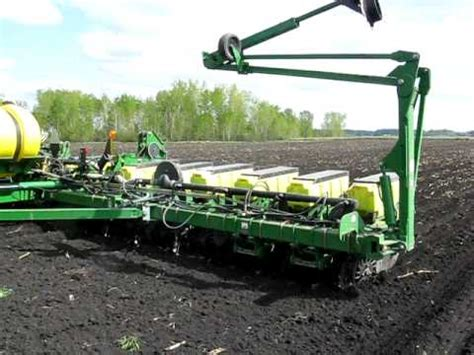 16 Row Planter by Deere 16 Row Planter Planting Corn