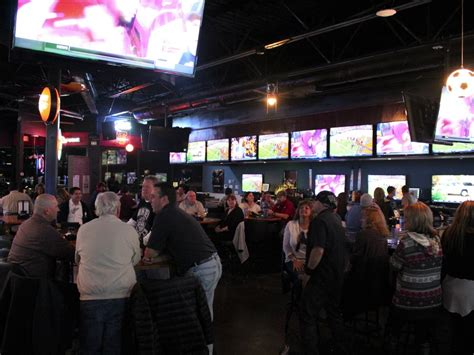 top sports bars in dallas top sports bars in dallas slideshow the 6 best new sports