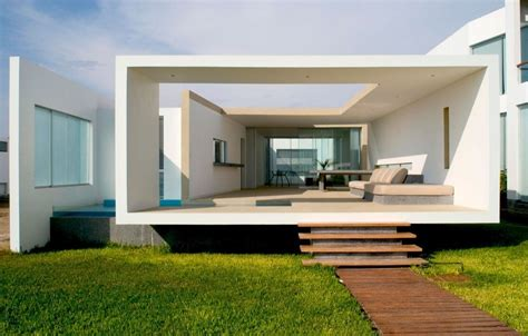 home sleek home boxed delight rectangular beach house in peru catches eye
