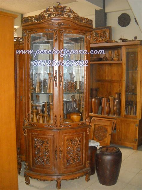 Lemari Hias Jati Ukir Lemari Pajangan model lemari hias sudut jati ukir desain terbaru kirim ke jakarta perabot jepara perabot