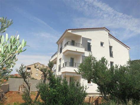 Insel Krk Kvarner Wohnung Auf 2 Etagen Mit Garten