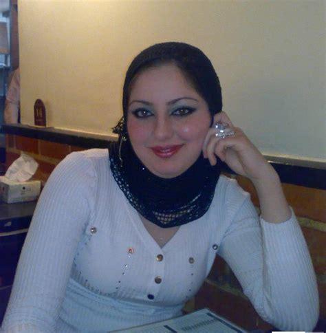 arab sweet aunty photos cute arab pics beautiful egyptian aunty posing in her room