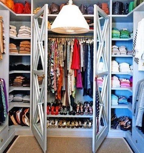 color organized closet guardar ropa armarios espaciohogar