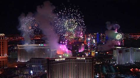 las vegas 2014 new years las vegas new year s 2014 fireworks by grucci