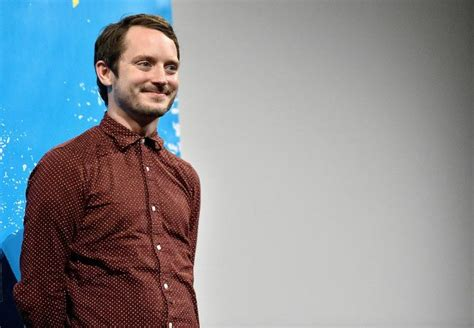 elijah wood smile elijah wood height weight body statistics healthy celeb