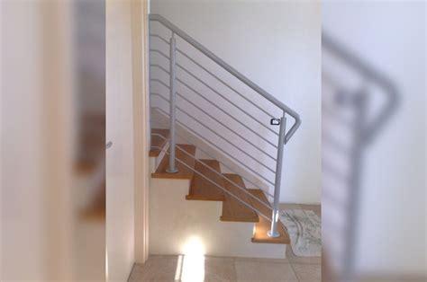 corrimano per scale interne in legno corrimano per scale interne in legno di scala in muratura