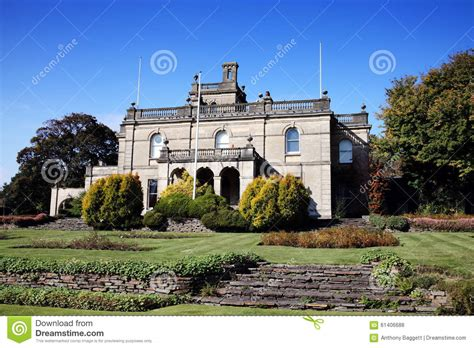 finding landmarks in howard county parc howard llanelli carmarthenshire wales stock photo image 61406688