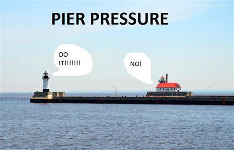 pier pressure sɹǝʇlᴉɟ ɯɐds pᴉoʌɐ oʇ ʇxǝʇ uʍop ǝpᴉsdn ƃuᴉsn sɹǝɯɯɐds