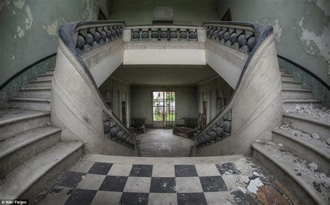 Abandoned Mansions For Sale Cheap by These Abandoned Mansions And Crumbling Old Churches Are