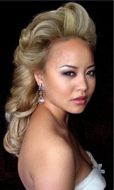 Asian Wedding Hairstyles Gallery by Asian Bridal Hairstyle In Hair And Big Light Rolls