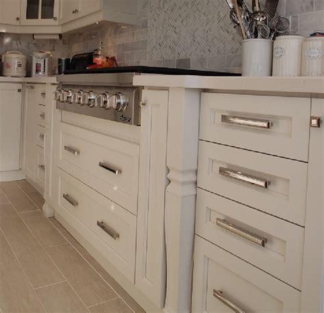 Shaker Off White Kitchen Cabinets In Toronto Modern