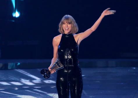 taylor swift reputation tour lineup taylor swift announces uk comeback gig and releases the