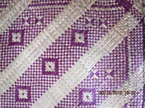 Tikar Lipat Motif Bunga R1 sumpahan tok kadok seni anyaman tikar mengkuang kelarai