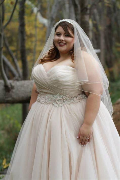wedding hair for plus size brides ana r a real bride in allure 2607 strut bridal salon
