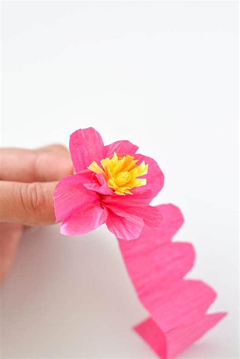Flower Using Crepe Paper - how to make paper flowers tutorial crafts unleashed