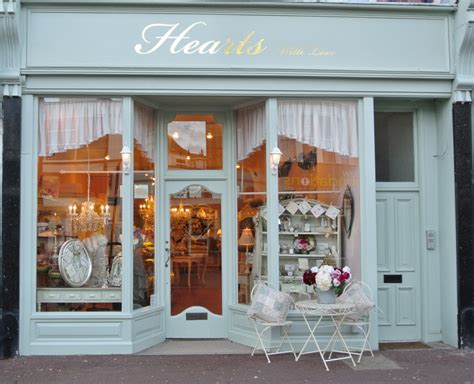 Shop Front Doors Exterior Color All Windows Door In Middle With Display Windows On Each Side Negocios
