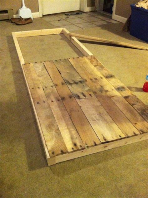 ana white sliding barn door  reclaimed pallet wood