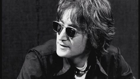 john lennon quick biography john lennon biography life facts family and songs