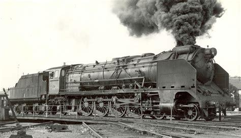 imagenes locomotoras antiguas la locomotora 241f 2246 levantando presi 243 n encima del