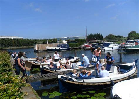 sloep zonder vaarbewijs marina rijnsburg vanuit de jachthaven kunt u alle kanten