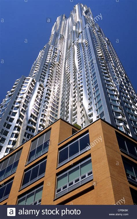 frank gehry  spruce street building beekman tower