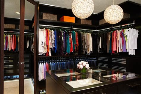 Closet Boutique by Boutique Walk In Closet Features Custom Storage