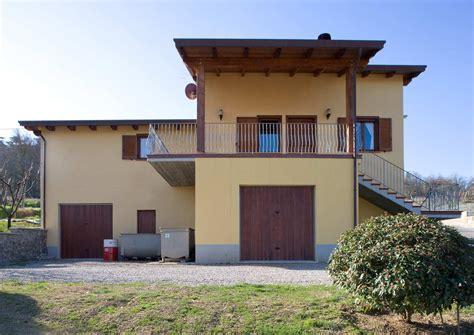 in legno umbria casa a due piani todi umbria costantini sistema legno