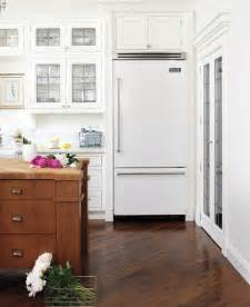 White Kitchen Cabinets With White Appliances White Appliances Yes You Can The Inspired Room