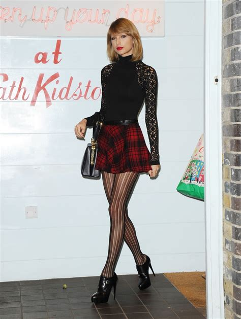 Patterned Tights London | taylor swift in patterned tights shopping in london