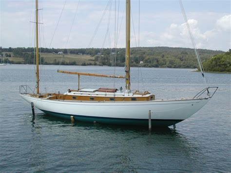 stern bow boat bow stern overhang boat hull design sailboat