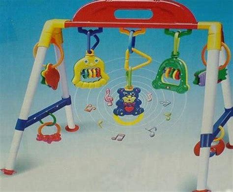 Mainan Gantung Putar Bunyi uniq mainan anak