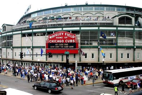 top wrigleyville bars small kitchen college 187 college town tours the best of chicago