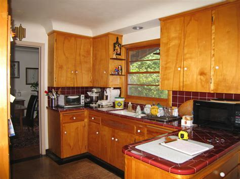 Dark maple cabinets, maple cabinets with granite